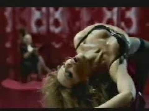 Kylie Minogue cabalga el Sybian en ropa interior