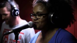 Video Android Asteroid - Surrounded ft. DJ Vadim & Yarah Bravo - Live