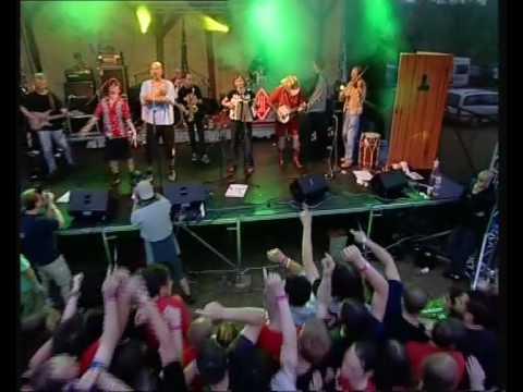 Tři sestry - Pijánovka / Láďa jede autobusem (live)