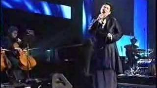 K.D. Lang sings Leonard Cohen's Hallelujah