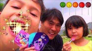 Video Permen Lollipop My Little Pony - Nyobain Lolipop Rasa Buah MP3, 3GP, MP4, WEBM, AVI, FLV April 2019