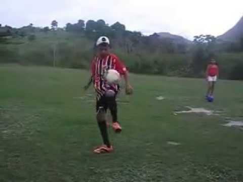 Pequeno craque do Futebol em Machacalis - MG