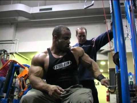 Antrenament Titan Dennis James