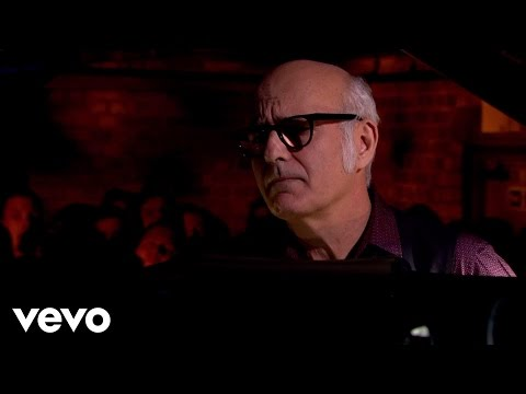 Waterways - In A Time Lapse -- out Now on iTunes (with bonus tracks): http://po.st/WCKHrx Einaudi Live at Fabric 2013 Einaudi performs music from his new album In A Time...