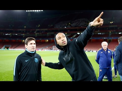 Highlights of FC Barcelona training session in the Arsenal Stadium