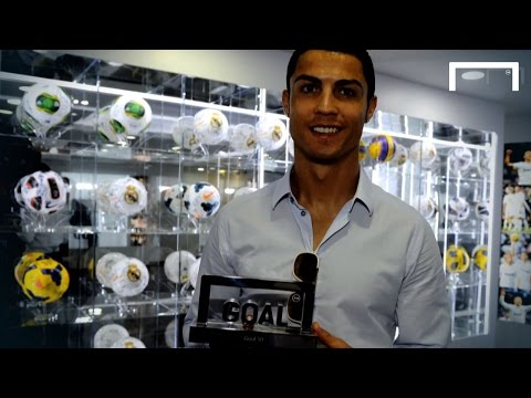 Video: Michael Owen: 'Ronaldo is the best ever'