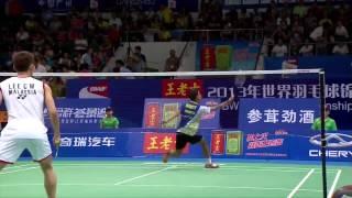 Pha backhand của Rumbaka trước Lee Chong Wei