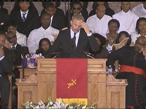 WHITNEY HOUSTON FUNERAL: Kevin Costner fights back tears and gets standing ovation Video