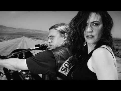 Sons - Battleme - Hey Hey, My My (Sons of Anarchy - Season 3, Episode 13, fianle) A Neil Young cover. SOA on Facebook: http://www.facebook.com/pages/SonsofAnarchy#!...