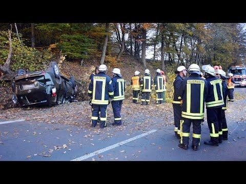 Gegen Baum: Eingeklemmt, Rettungshubschrauber