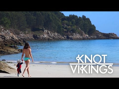 Ep. 9 - A nude beach and a late Christmas Surprise - Knotvikings (видео)