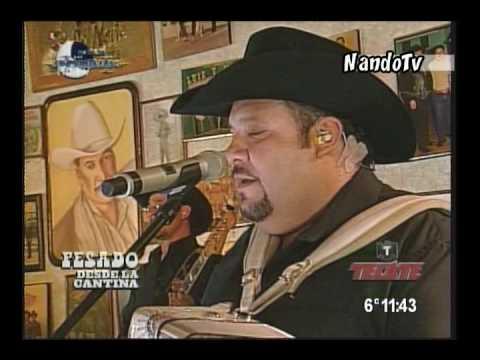 Pesado feat Lorenzo de Monteclaro - Abrazado de un Poste - Thumbnail