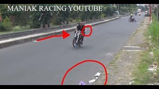 Video VIDEO ! Akibat ini , Mas yusron Alifka jatuh saat nyetting ninja STD 155 karya dia sendiri MP3, 3GP, MP4, WEBM, AVI, FLV Juli 2017