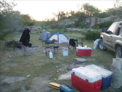 pescando con anzuelo y atarraya en N.L..wmv