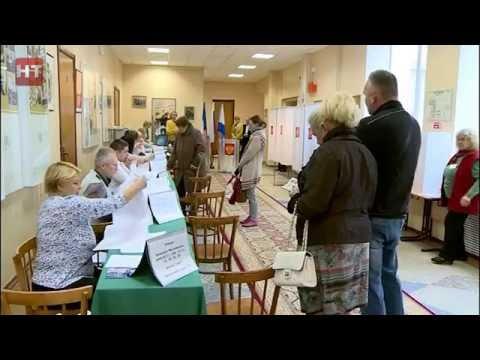 В числе первых жителей региона, принявших участие в едином Дне голосования, был губернатор области Сергей Митин