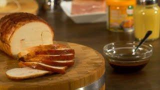 Misture a mostarda com o mel, o vinagre de sidra e o Knorr® Caldo Granulado galinha.