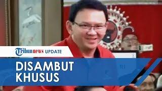 Video Pakai Baju Kader Partai, Ahok Disambut Megawati di Kongres ke V PDIP: Pak Purnama Apa Kabar? MP3, 3GP, MP4, WEBM, AVI, FLV Agustus 2019