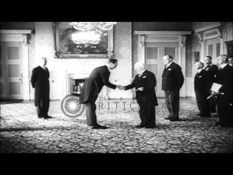 William Howard Taft III being greeted by Sean Thomas O'Kelly,Frank Aiken and othe...HD Stock Footage