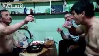 Rusek pokazuje jak nie powinno się pić wódki!
