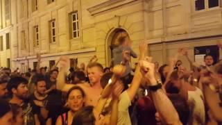Film do artykułu: Angielscy kibice śpiewają w...