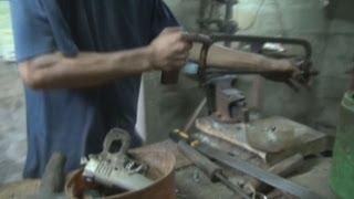 フィリピン・セブ島に「銃の町」 Illegal gun-making alive and well in Philippines