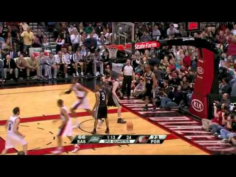 Marcus Camby to LaMarcus Aldridge alley-oop dunk