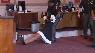 Video Former Judge Tracie Hunter dragged out of the courtroom, ordered to serve six months in jail MP3, 3GP, MP4, WEBM, AVI, FLV September 2019