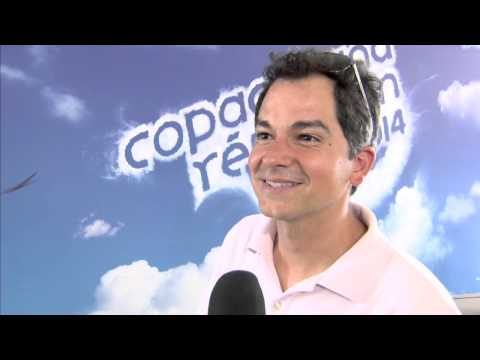 Rio 2: Director Carlos Saldanha New Year's Interview
