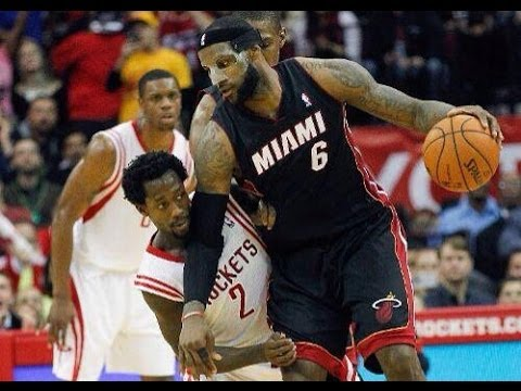 Patrick Beverley defends LeBron James, scores on the fast break