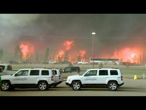 Καναδάς: Πετρελαϊκές εγκαταστάσεις απειλεί η φωτιά στο Φορτ ΜακΜάρεϊ