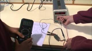 2013 Comprobación de un regulador electrónico IES La Marxadella