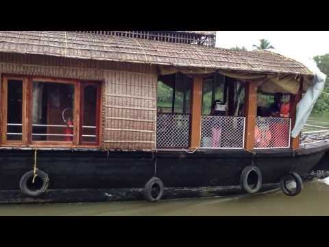 Video Alleppey, Kerala: Houseboat Morning Breakfast download in MP3, 3GP, MP4, WEBM, AVI, FLV January 2017