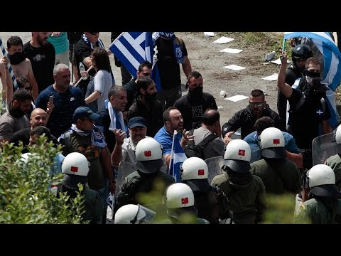 Eπεισόδια στη συγκέντρωση κατά της συμφωνίας στις Πρέσπες …