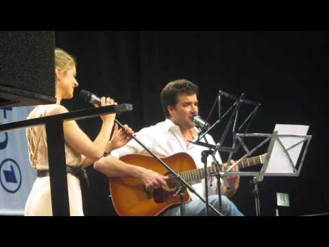Sturm der Liebe Fantag 2013 Lucy Scherer und Moritz Tittel singen Can't Help Falling in Love