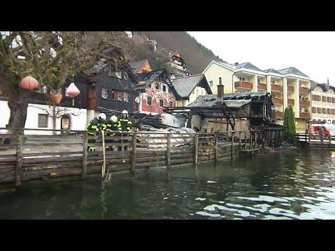 Φωτιά σε τουριστική κωμόπολη