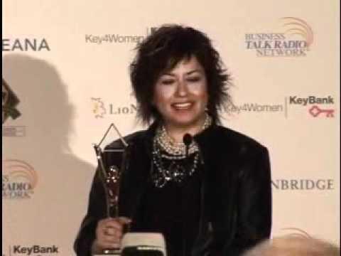 Edibe Taylan of Sanofi-Aventis Turkey Wins 2010 Stevie (видео)
