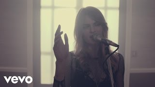 Laura Doggett - Old Faces (In The Studio) - YouTube