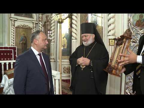 Președintele Igor Dodon a vizitat biserica Sfinții Arhangheli Mihail și Gavriil din satul Slobozia Mare