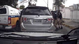 Polícia persegue suspeito com carro adulterado em BH; ele foi preso no Dona Clara