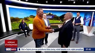 Niecodzienna sytuacja w studio #Jedziemy. Jarosław Jakimowicz podziękował Antoniemu Macierewiczowi.