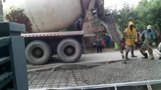 PENGECORAN JALAN PROJOSUMARTOPerbaikan jalan di desa wangandawa jln.projosumarto kec. talang kab. tegal berjalan dengan lancar