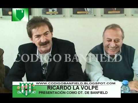 Ricardo La Volpe es presentado como DT de Banfield