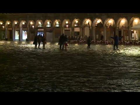 Glitzernde Fluten in Venedig sorgen für mehr Romantik