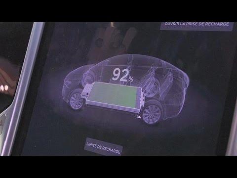 Ηλεκτρικά αυτοκίνητα στο Σαλόνι Αυτοκινήτου στο Παρίσι