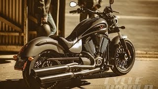 9. 2015 VICTORY GUNNER BOBBER -- FIRST LOOK