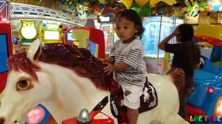 Download Video Deba Naik Odong Odong Kuda - Fun Indoor Playground for Kids MP3 3GP MP4