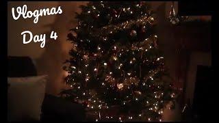 VLOGMAS #4: Decorating my Christmas Tree! by Ms Aaliyah Jay