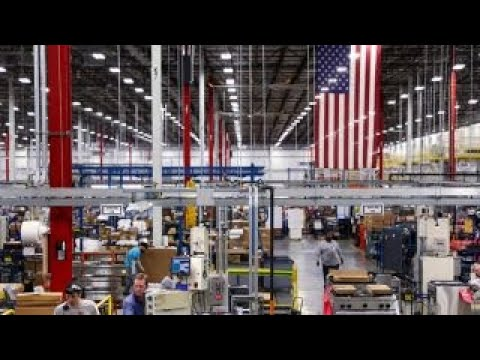 Manufacturing boom could hurt Democrats during midterm elections