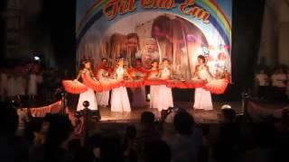 Chúa Đỡ Nâng Con - Thiếu nhi giáo họ Lại Dụ múa quạt