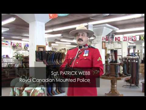 Why Do Mounties Dress That Way? - Alberta, Canada (видео)